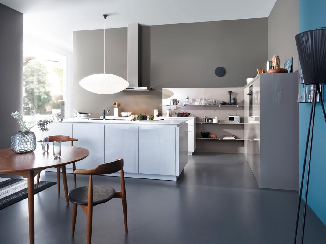 White Kitchen Feature Wall leicht chiara bg c | ajkb